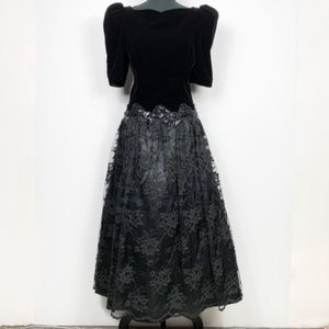 Vintage Scott McClintock 80's Velvet/Lace Dress